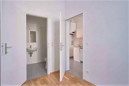 ++ ALTBAUWOHNUNG 2 ZIMMER 38 m²  FÜR PÄRCHEN ++