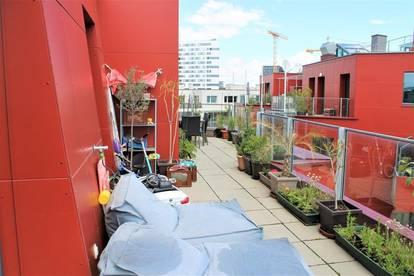 ++ URBANES WOHNEN ++ Großzügige Dachterrassen Wohnung +LIFT++ 4 Zimmer + 50m² Terrasse ++ SONNENRUHE + Pool+
