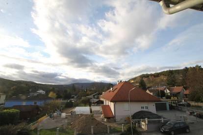 ***GROßES POTENTIAL ***Mehrfamilienhaus***Heurigen ***Pension Zimmer +Wunderschönem Blick auf den Schneeberg+