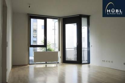 2-Zimmer Wohnung mit südseitiger Loggia, Pool, Sauna, Fitnessraum, Liegewiese und Dampfbad