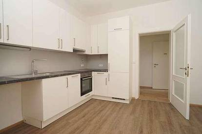 Wohnen in einer Altbauvilla: Helle Mietwohnung (74m²) in ruhiger, zentraler Lage in Fürstenfeld!
