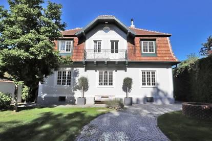 Revitalisierte Wienerwaldvilla mit Sauna und Pool
