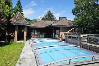Bungalow mit Pool und romantischem Naturgarten in Pressbaum