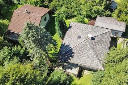 Ruhige Liegenschaft mit 2 Wohnhäusern und Garage - Anlegereignung!