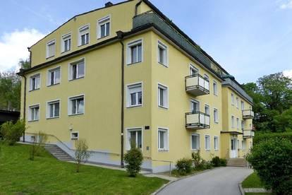 Helle Mietwohnung mit Balkon in Toplage