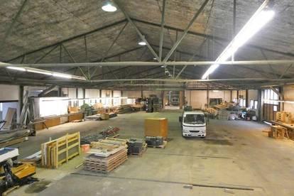 2000 m² Produktions-/Lagerhalle mit Büros an der B1