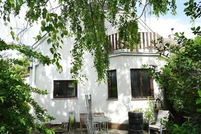 Sonniges Grundstück mit Althaus in absoluter Ruhelage