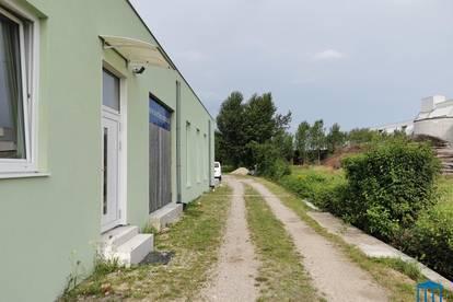 Produktionshalle / Werkstatt / Lager mit Büro - optional mit Park- / Freiflächen nahe Autobahn