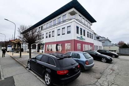 Geschäftslokal mit Büroflächen im Wohnungseigentum
