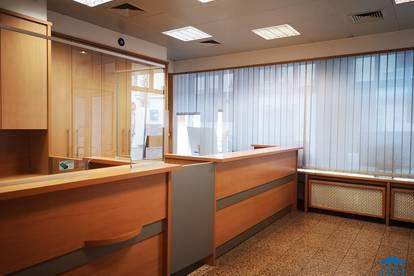 Geschäftslokal / Studio in Bestlage beim Hauptplatz mit großer Auslagenfläche (inkl. Heizkosten!)