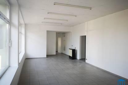 Neu renovierte Büro-/ Geschäfts-/ Schulungsflächen mit Innenhof-Nutzung