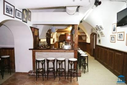 Vielfältiges Abendlokal mit Bar in Innenstadt-Lage