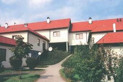 Haag. 3 Zimmer Wohnung | große Dachterrasse | Befristete Miete.