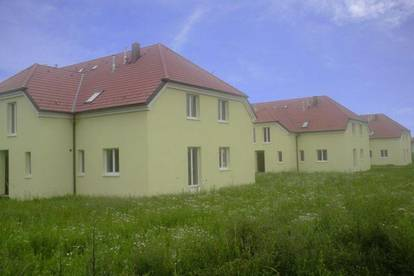 Großkrut. Geförderte 3 Zimmer Maisonette | 232 m² Garten | Miete mit Kaufrecht.