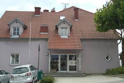 Bad Traunstein. 2 Zimmer Wohnung | Loggia | Miete oder Soforteigentum.