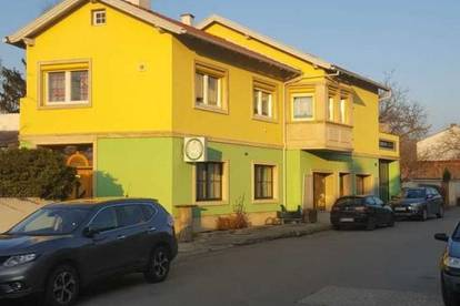 Einfamilienhaus - Betriebsliegenschaft - Bauträgerliegenschaft