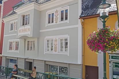 """Dachgeschoß-Maisonette im Zentrum von Mariazell mit 12 m² Balkon """" RESERVIERT bis 30.10.2021"""""""