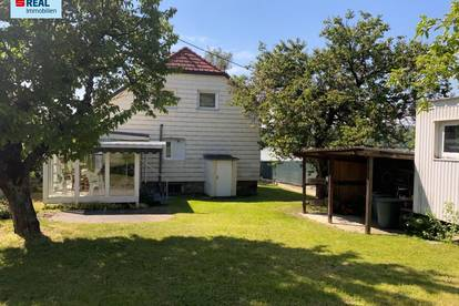 Kleines Wohnhaus mit Donaublick