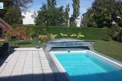 Gepflegte Villa mit Pool und Bürotrakt