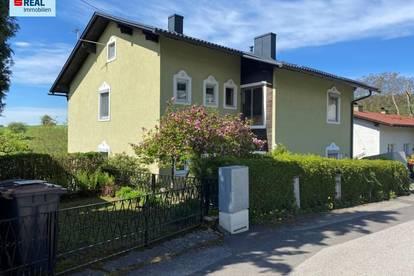 Wohnhaus für eine oder zwei Familien in Grünruhelage