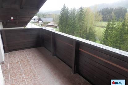 Charmante Dachgeschoß-Mietwohnung mit Balkon und herrlicher Aussicht in Mitterbach!