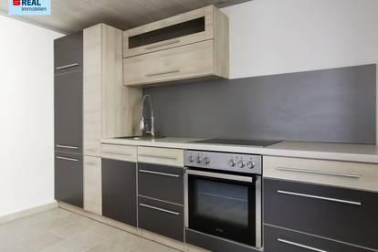 Helle,frisch renovierte 45m² Wohnung mit KFZ-Platz