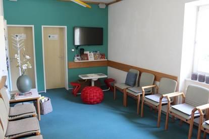 Schöne Ordination, Arztpraxis in Zentrumslage von Oetz...