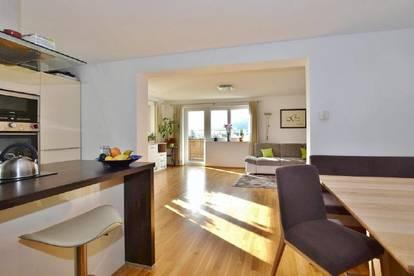 Schöne Wohnung mit großzügiger Süd / West-Terrasse