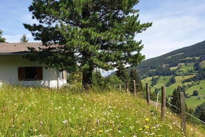Idyllisch gelegenes Feriendomizil mit Potenzial auf 1350 m Seehöhe im Innsbrucker Umland