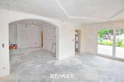 Frisch renoviert und trotzdem in Ihrem Stil - Großes Haus in TOP Lage
