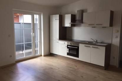 Neu renovierte 2 Zimmerwohnung mit kleiner Terrasse in Großpetersdorf