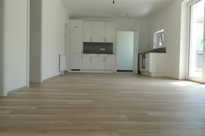Optimal aufgeteilte 3 Zimmer Garten-WHG inkl. EWE Küche & KFZ-Stellplatz in Glaubendorf