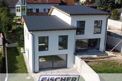 Schlüsselfertige Doppelhaushälfte in Berndorfer Bestlage! Haus 2