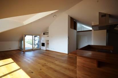 MÜLLN | Altbau-Penthouse mit Dachterrasse in Premium Lage