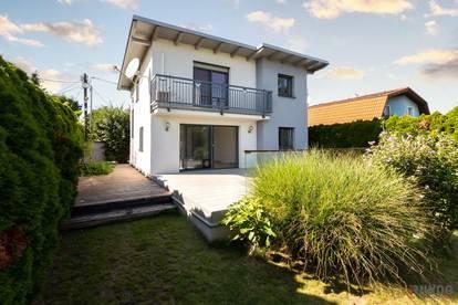 \\ Moderne Kleingartenvilla auf Eigengrund mit Pool //
