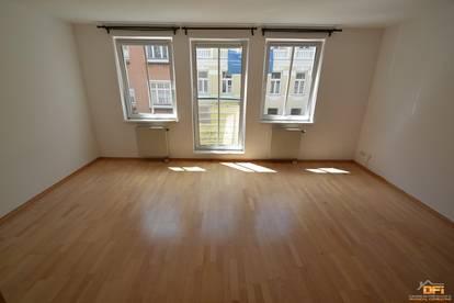 Modernes Single-Appartement mit Garagenplatz in guter Wohnlage