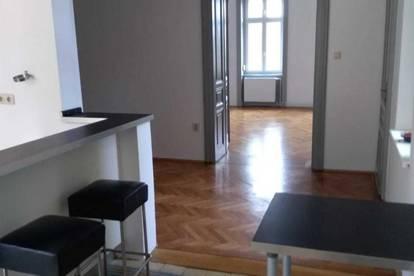 Baden: Wohnen in wunderschöner 4 Zimmer Stil-Altbauwohnung