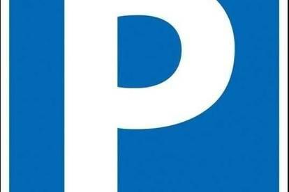 Parkplätze zu vermieten, eingezäunt