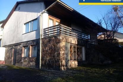 Bungalow -  Einfamilienhaus in Stadtrandlage