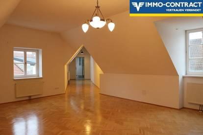 EINZIGARTIG | Prestige Dachgeschoßwohnung mit individuellem Stil in Melker Altstadt
