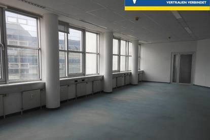 Schöne, großzügige Büro - oder Praxisflächen