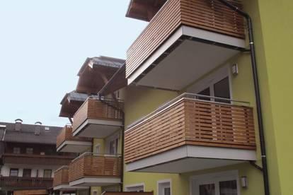 DAHEIM IM LUNGAU! <br />Geförderte 3-Zimmerwohnung mit Balkon und Carport! Mit hoher Wohnbeihilfe
