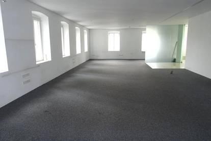 BÜRO 170 m²  im Zentrum, Bestausstattung