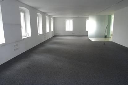 Großraum-Büro 170 m²   Bestausstattung