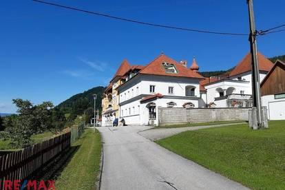 Wohnung in einem Schlossähnlichem Anwesen zu Verkaufen