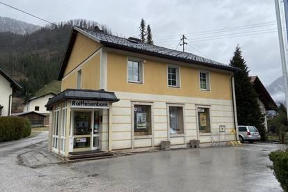 Wohn- und Geschäftshaus direkt im Zentrum
