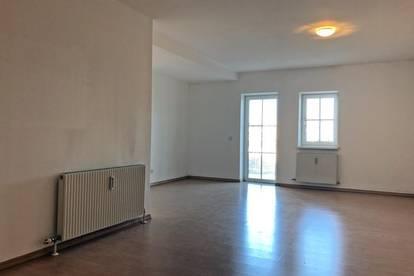 Eigentumswohnung mit PKW-Stellplatz und Kellerabteil