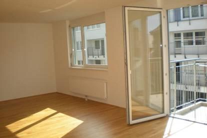 Modernes Apartment mit Balkon