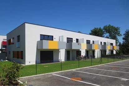 neuwertige 2-Zimmer- Mietwohnung mit Balkon und PKW-Stellplatz