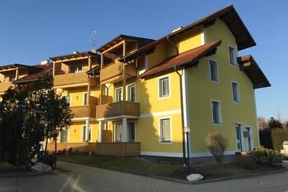 gemütliche 3 Zimmer-Mietwohnung mit Balkon und PKW-Stellplatz